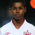 The youngest player ever to score on his @England debut! @MarcusRashford, take a bow! #MUFC https://t.co/F29iPMTPjb