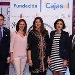 .@ctaurinopc entrega sus premios por #FeriaAbril16 a @victorinotoros y @UrenaOficial en @Cajasol #toros #Sevilla https://t.co/mGfesmB6kP