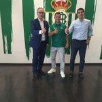 """RIZA DURMISI EN SU FACEBOOK : """"Ya es oficial. He superado las pruebas médicas y ya soy jugador del Real Betis"""" https://t.co/XbeqxJ4rju"""