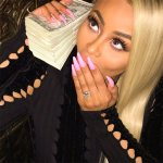 Queen Blac Chyna with her engagement ring and child support money from Kylie https://t.co/crmkI9oOBq