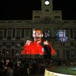 El vídeo del equipo se ve en la Puerta del Sol https://t.co/DIukuC7pWf Envía tu tuit con #Km0AúpaAtleti y participa! https://t.co/wMzFryhmXQ