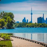 Its going to be a hot and humid weekend in #Toronto https://t.co/nKEotleIoI https://t.co/k8btz7le8I