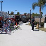 Oxnard Firefighters promoting bike safety at Juan Soria School by rewarding the Bike safety essay contest winners . https://t.co/g6JxYDSB9o