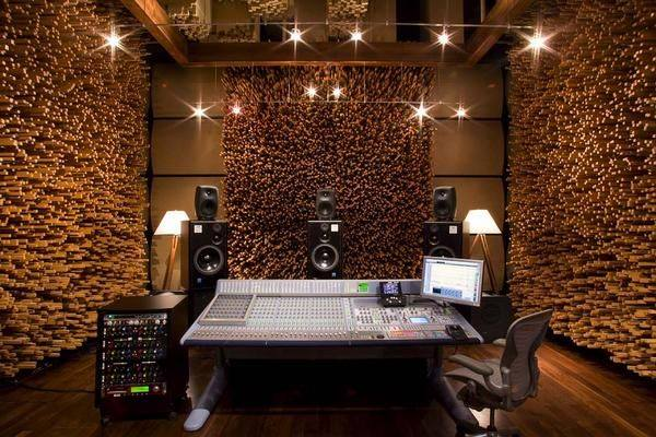Blackbird's Studio C in Nashville is easy on the eyes. Try not to stare at this for too long. https://t.co/Jxp3O68SO6