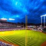 Baseball looks gorgeous tonight. https://t.co/PVGmpQweEJ