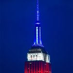 The @EmpireStateBldg shines red, white & blue this #MemorialDayWeekend. #NYC #NewYork #MemorialDay https://t.co/6rgtswiD8q