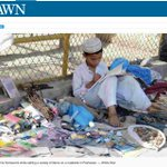 A kid doing his homework while selling items on road side in #Peshawar. #یوم_تکبیر https://t.co/n3p8AvuUh3 https://t.co/H8cmPAHJKu