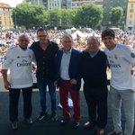 Animando a los Madridistas en Milan con grandes leyendas de la historia del club!!  #HalaMadrid #APorLaUndecima https://t.co/mmCJcYG6Ru