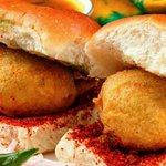 #foodsofindia  Wadapav  #Marathi https://t.co/lsDf89N0Np