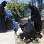 Women activists in the eastern #Jalalabad city conducted a city cleaning campaign today. Bravo #Afghan women! https://t.co/XwtukQyR75