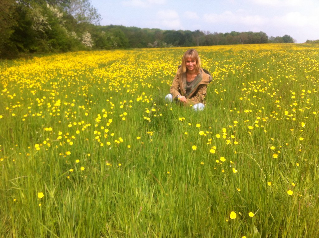 The sun is shining , the meadow is blooming and @BBCSpringwatch starts on Monday https://t.co/RIZtA6gqEM