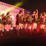 #JKT48MahagitaHS Mini Concert. M2. Beloklah ke Kanan (Team KIII) https://t.co/Dg2MFYeXfj