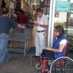 DISCRIMINAN en Sams Club a mujer trabajadora en silla de ruedas https://t.co/hLeJ23UKoK https://t.co/tNf3qttUoz
