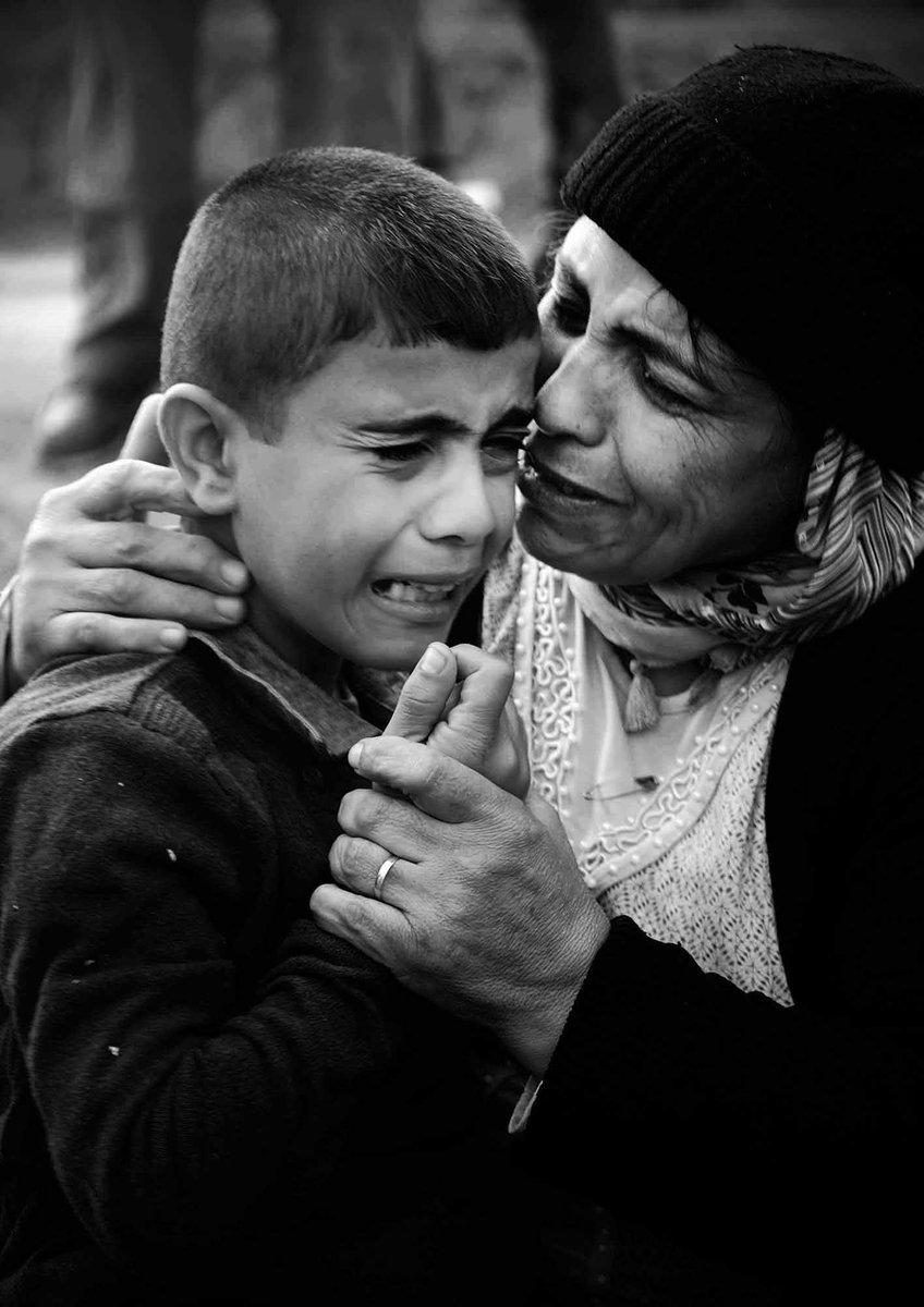 We teach kids not 2 fight yet adults still kill eachother HoldZarif accountable 4RefugeeCrisis #No2Rouhani  @SweMFA https://t.co/mEpYUqtrc3