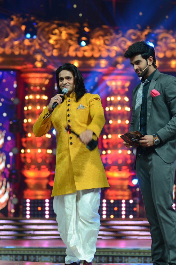 Lots of fun comn ur way and a lil return gift for ur immense faith nd love #SiyaKeRam  #StarParivaarAwards @StarPlus https://t.co/futrbeXqBU