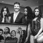 .@fifthharmonys single #WorkFromHome is Platinum in the UK! ???? @SimonCowell presenting the plaque #727OutNow https://t.co/lS7foVim22