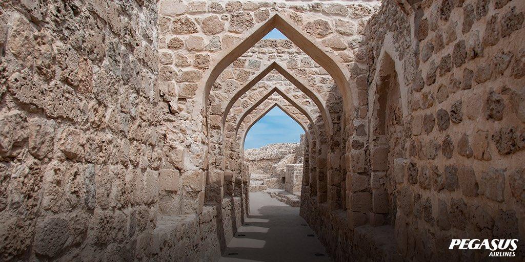 Tour UNESCO Heritage Site Qal'At Al Bahrain where many civilisations have left their mark