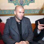 Quelle trajectoire pour ce fils douvrier algérien, né à #Marseille.... #Zidane... #RMAATL @elkhedra https://t.co/rFnFxzxbCg