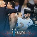 QUE RESENHA! Qual o papo entre Zidane e CR7 após a conquista do título? https://t.co/eTcqTp6pAS