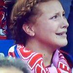 Reação da torcedora do Atlético de Madrid logo após o gol de Sergio Ramos: https://t.co/okkJm953AL
