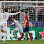 ¡Así nos puso por delante en el marcador @SergioRamos en la Final! ☝ Real Madrid 1-0 Atlético #APorLaUndecima https://t.co/EF27NhaO8D