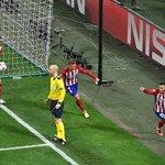 Free soccer! @ESPNFC: FT: Real Madrid 1-1 Atletico Madrid Yannick Carrascos goal sends #UCLfinal to extra time! https://t.co/jC6kPyt5uu