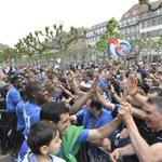 Réception du @RCSA_Officiel à lHôtel de Ville 🏅 Merci à tous les supporters, cétait génial 👍 #EnsembL2 https://t.co/4G6OXD5gek