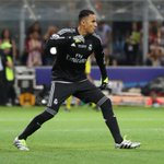 Keylor Navas has saved 3 of the 4 penalties hes faced in competitive games for Real Madrid this season. Top record https://t.co/7SdpCXbnXA