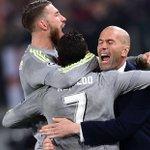 [#UCLFinal] HISTORIQUE !!! Zidane devient Le 1er entraîneur français à remporter la Champions League ! #LÉGENDE 🇫🇷🇫🇷 https://t.co/yk7aOhrqtQ