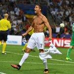 Cristiano Ronaldo celebrando su penal. https://t.co/WnceADQQXZ