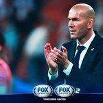 Zinedine Zidane: campeão da Champions League com o @RealMadrid como jogador e treinador! https://t.co/EREAZjsU9K