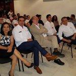 Agradezco la compañía y apoyo de @Beatriz_Mojica @Silvano_A y @gracoramirez. #CarlosJoaquinGobernador https://t.co/clb8KUCYT6