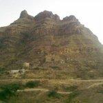 #اليمن | عاجل.. انفجار بركان وسط اليمن https://t.co/8nwpioGwwl https://t.co/78Hew4pswa