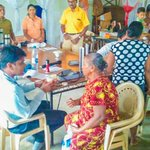 Another medical camp for #flood affected took place in #Colombo yesterday. over 200 people received care. #lka https://t.co/adU5uNVeHu
