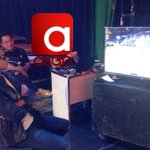 May busy na nanonood ng basketball game sa ASAP studio😍😍😍 Hi Dj💛❤️ #ASAPKwentoMo https://t.co/gMhvM82eqR