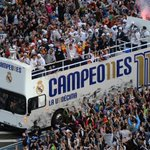 ???? #LaUndecima Thanks to our #RMFans for this incredible reception in Madrid this morning! ????????❤ #HalaMadrid https://t.co/6V88kH6OHq