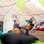 Hengähdä hetki #maailmakylässä-festivaalihumun keskellä @kepa_ry:n pisteellä. Kepa-lounge #mk2016 #kepatalks https://t.co/yKtAonawZc