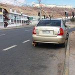 Este mono estaciona en avda Argentina acceso UCN, con traba volante y ruedas #Mandriles #Antofagasta https://t.co/8bmmRa3rf4