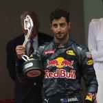 リカルド「2回続けてトレーラーにひかれた気分。今日はチームと話したくない」:RBRモナコ日曜 #F1 #f1jp https://t.co/OC7VcRLJaA https://t.co/vNsngpCP00