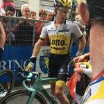 Steven Kruijswijk is over de finish. Bikkel. #giro https://t.co/GuxA5nhT9q
