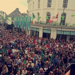 Video: Joyous Connacht fans serenade their history-making side in a packed Eyre Square https://t.co/v7tYza8Qyv https://t.co/CEDmKeZDWp