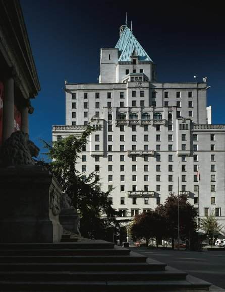 We're blessed to have downtown Vancouver as our backyard. #FairmontVancouver #Vancouver https://t.co/AOu4R7QCVt