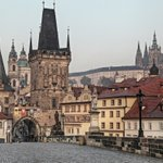 10 things to know about the #Charles #Bridge in #Prague https://t.co/JVyY57mOS3 #praha #praga #czech #history #tour https://t.co/WKrh1sDiu9