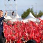 Fetih coşkusunu yaşamak için Yenikapıya gelen tüm vatandaşlarımıza şükranlarımı sunuyorum. Teşekkürler İstanbul! https://t.co/vCtLgB2KAj