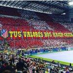 Seguimos siendo los últimos románticos. Siempre Frente Atlético, Siempre juntos. #AtletiHastaLaMuerte https://t.co/ms2wZZPjdm