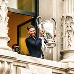 Sergio Ramos and a trophy in an elevated position: A sight that evokes great joy and fear for Real Madrid fans. https://t.co/4BifkEmw7K