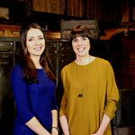 First to face the Dragons is Kate and Liz of @WeAreObeo together they dreamt up a little brown box #DragonsDen https://t.co/ufehjfUAsZ