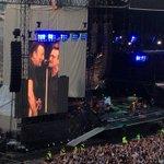 .@springsteen crowd goes wild as Bono joins the Boss onstage https://t.co/7wM68jZgML @U2 https://t.co/s5yyLxUXUO