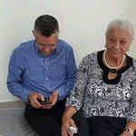 Manuel Jiménez recibe la visita de su Madre Doña Pura en su 3er día de Huelga!!! Día de Las Madres !! https://t.co/UG3Ih2dJLz