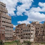 ومهمآ بحثت عن عاصمة بِــ جمال صنعاء بقوةة صنعاء ٫ بـ صمود صنعاء ! فَـ لن تجد ولَن تجد مثل اهلها لا يؤمنون الا بالنصر https://t.co/9a3cSZduWx